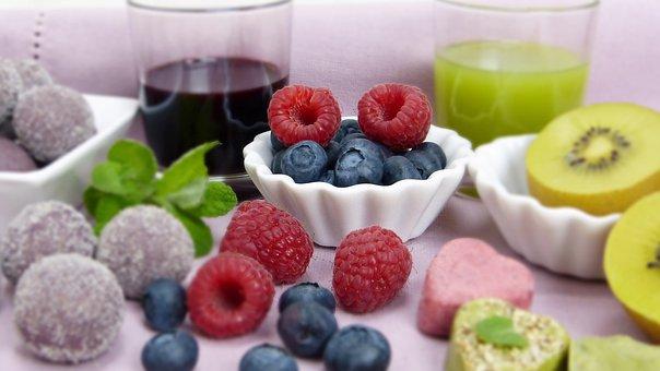 owoce do wyrobu soku w wyciskarce Muke